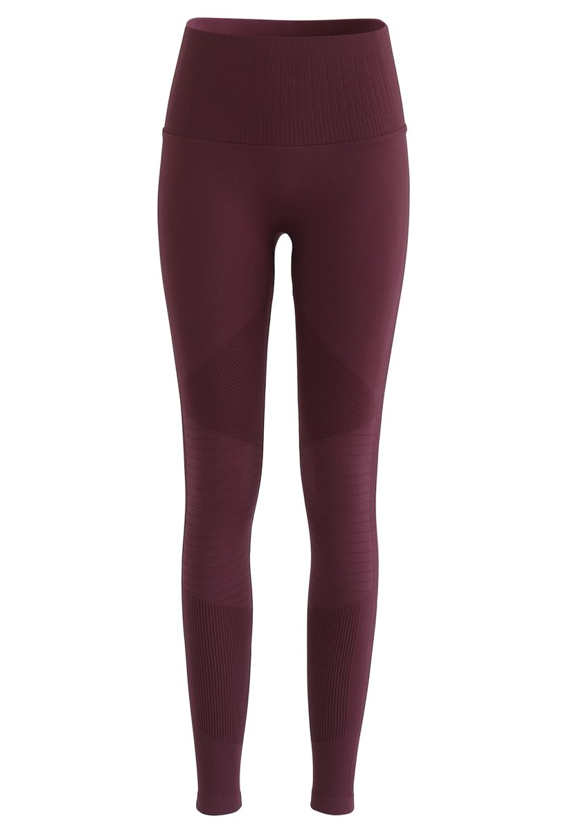 High-Rise Fitness Leggings in Burgundy