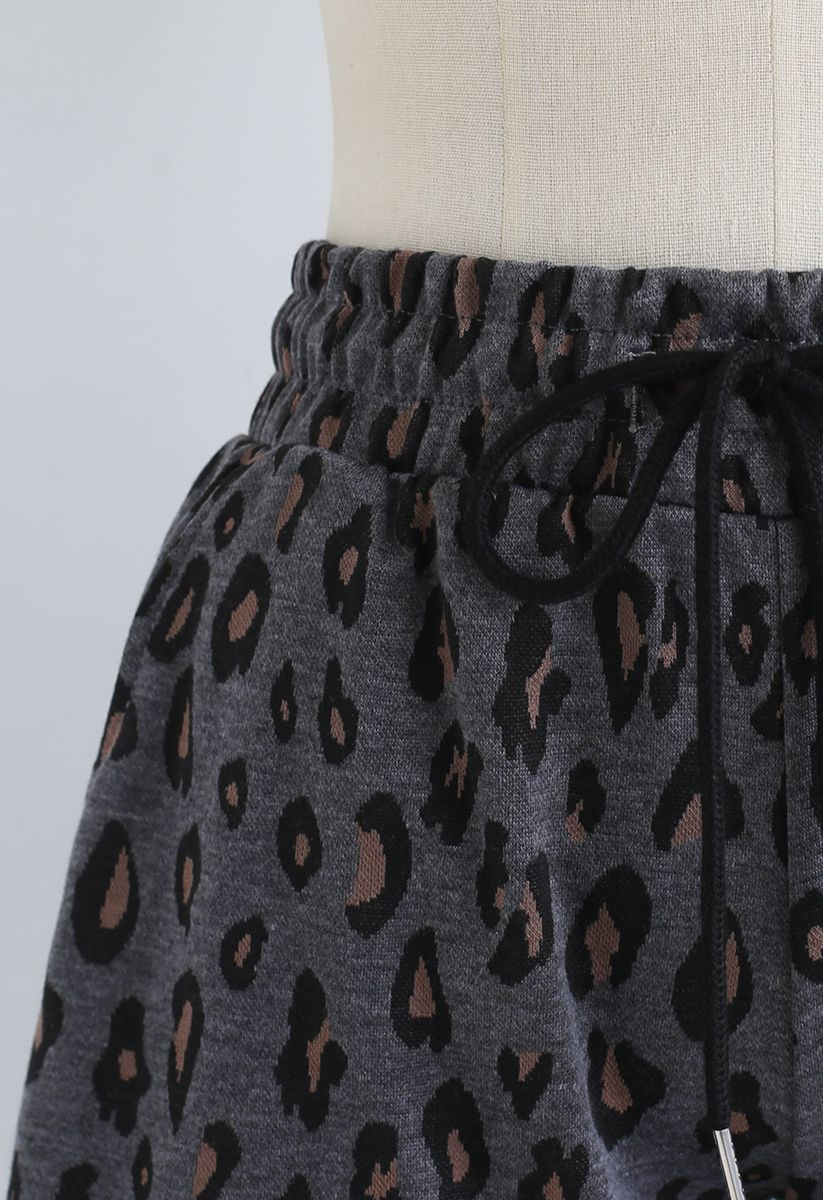 Leopard Print Drawstring Pockets Shorts in Smoke