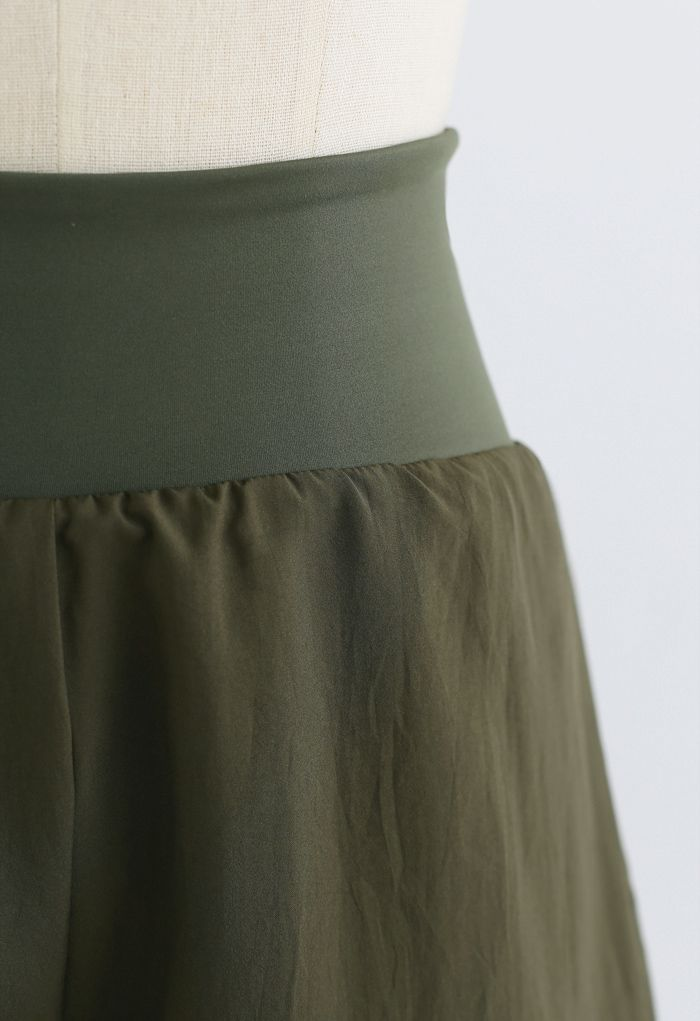 Crisscross Waist Sports Shorts in Army Green