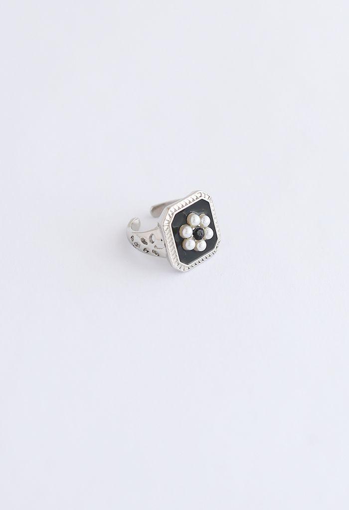 Pearl Daisy Silver Ring