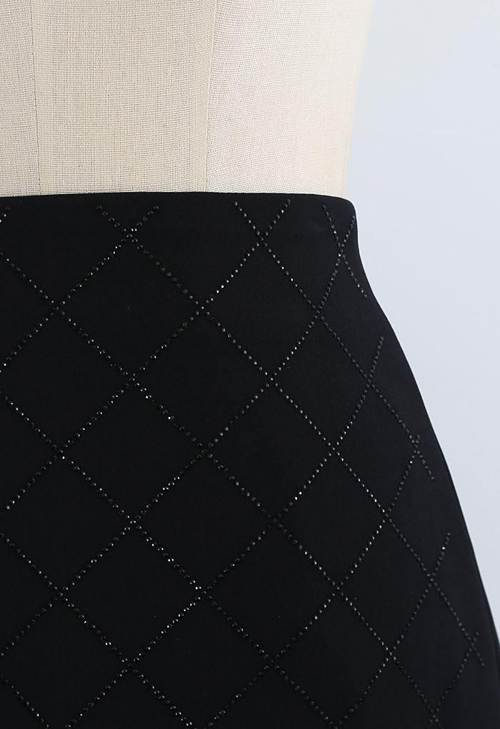 Flickering Diamond Shape Bud Skirt in Black