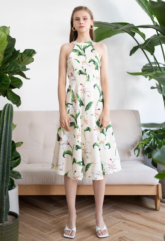 Gorgeous Floral Print Halter Neck Midi Dress in Green