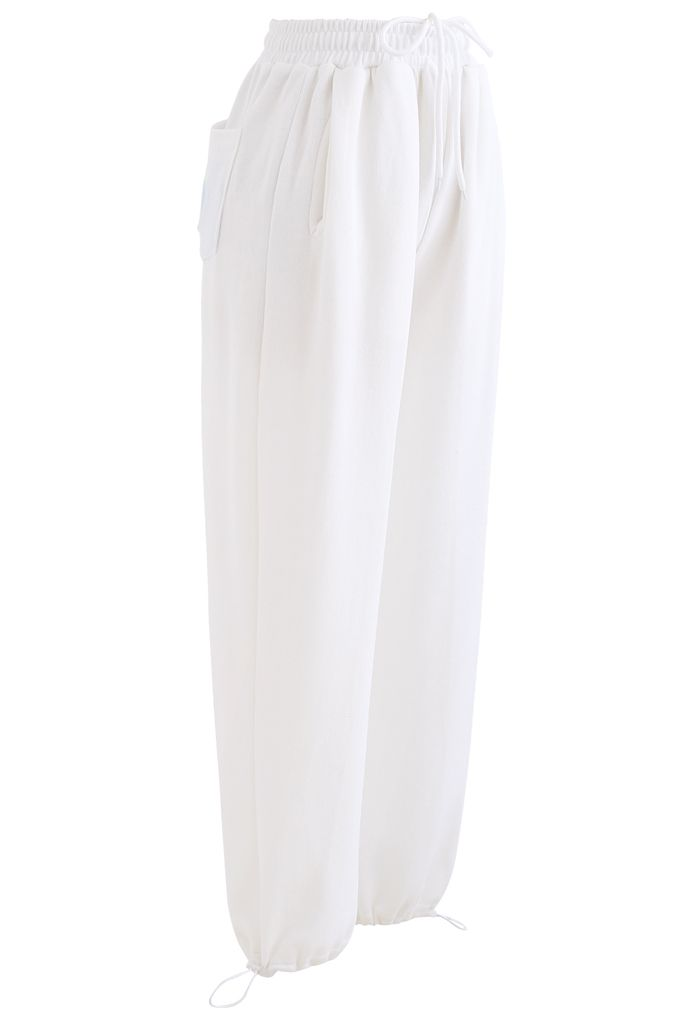 Heart Patched Pocket Drawstring Joggers in White