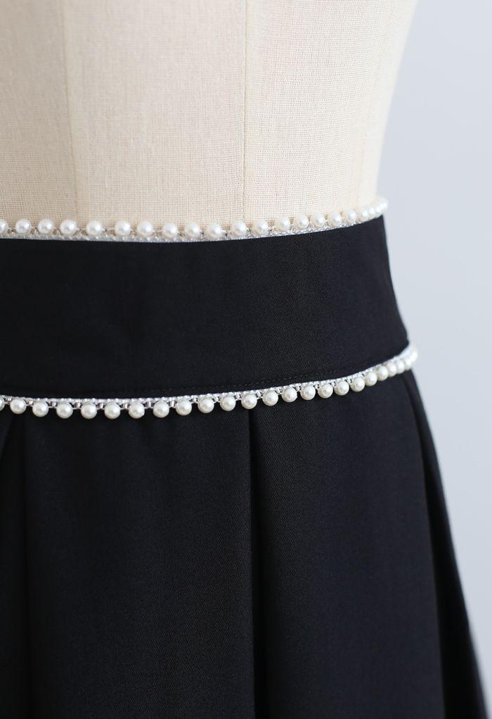 Pearly Waist Pleated Midi Skirt in Black
