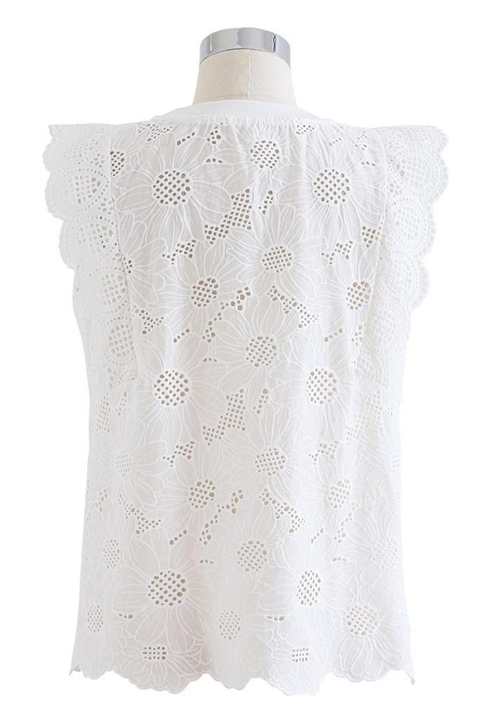 Scallop Petal Embroidered Eyelet Sleeveless Top in White