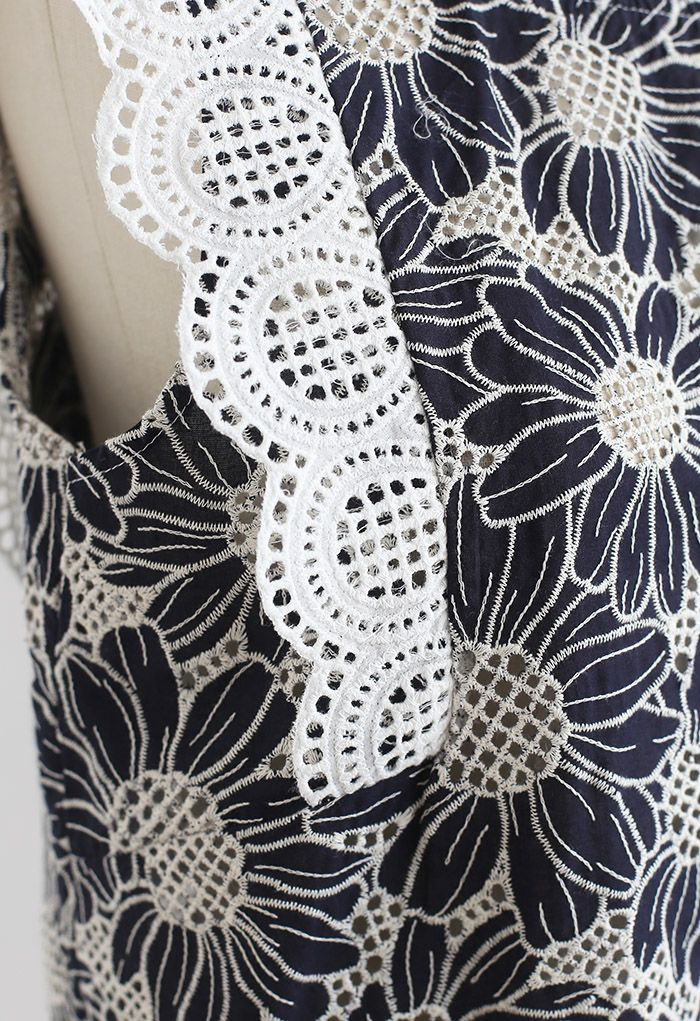 Scallop Petal Embroidered Eyelet Sleeveless Top in Navy