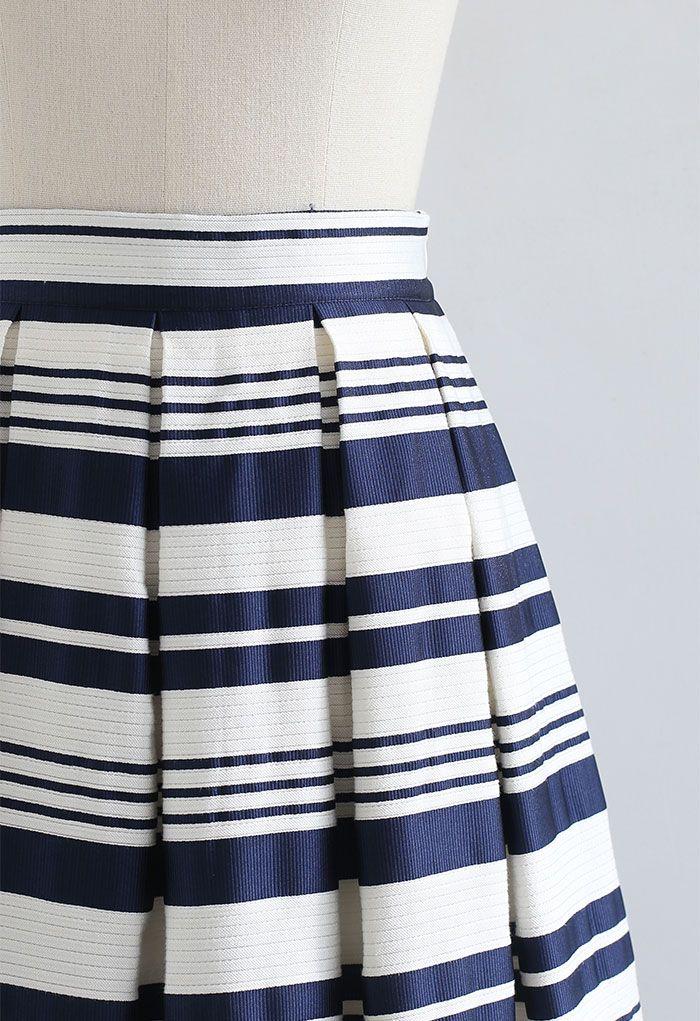 Bicolor Stripe Jacquard Pleated Skirt in Navy