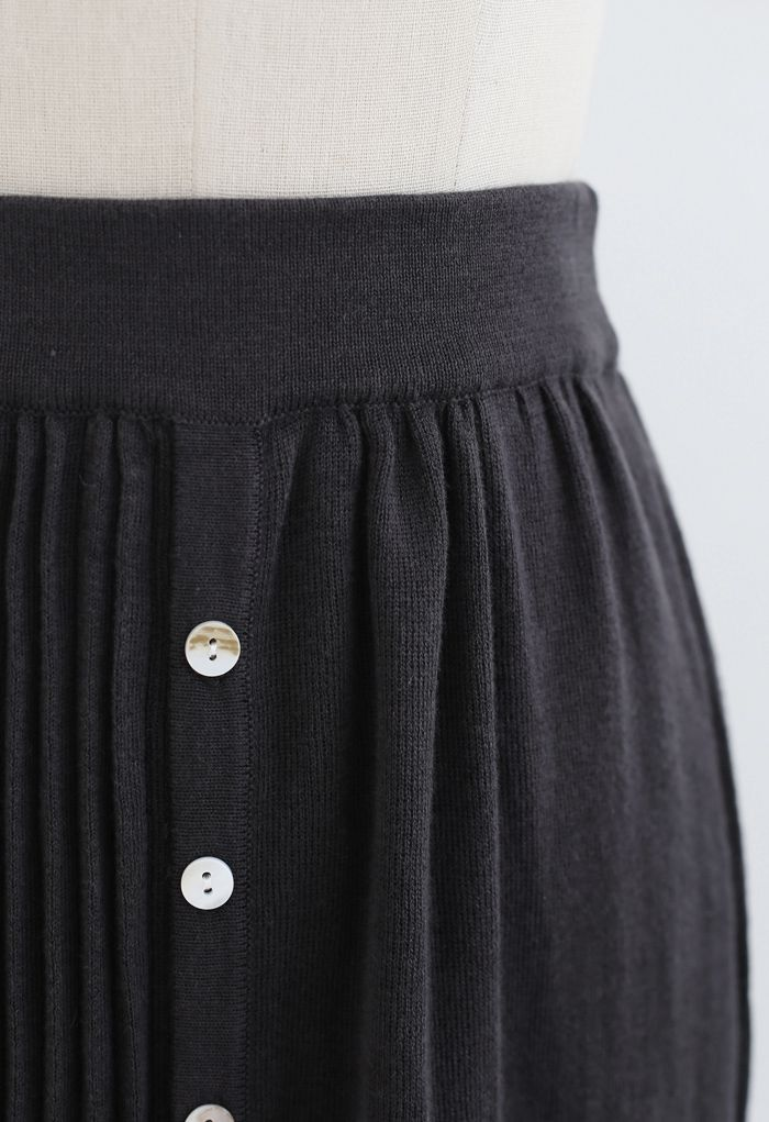 Button Front Pleated Ribbed Knit Skirt in Smoke
