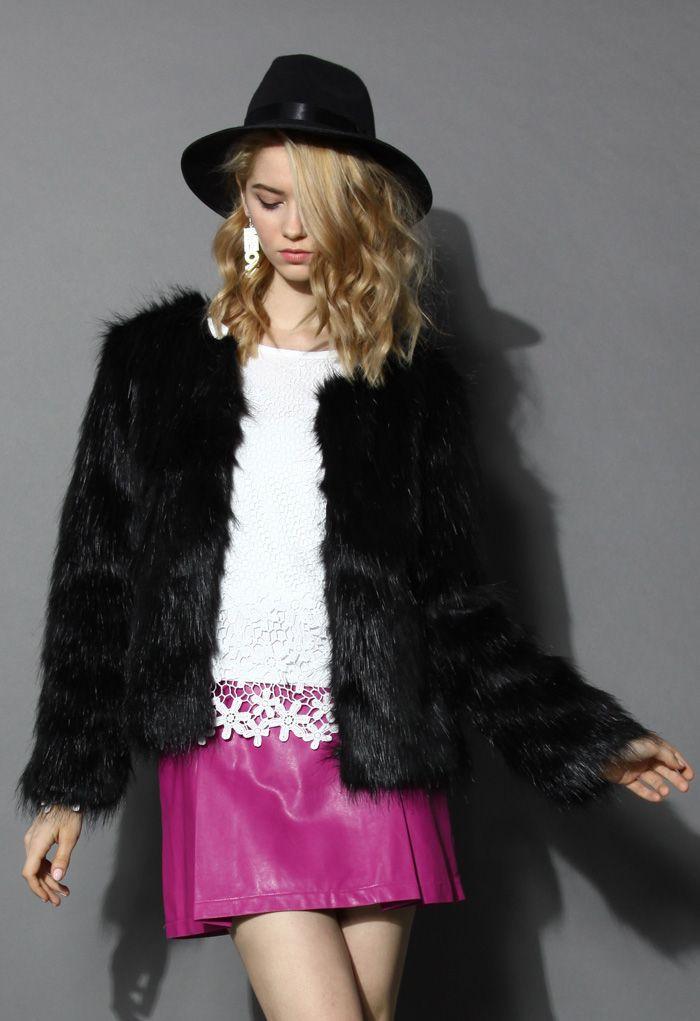 My Chic Faux Fur Coat in Black