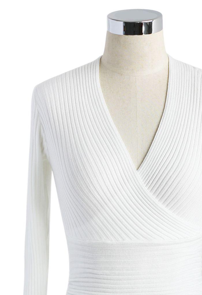 Glam V-neck Ribbed Top in White