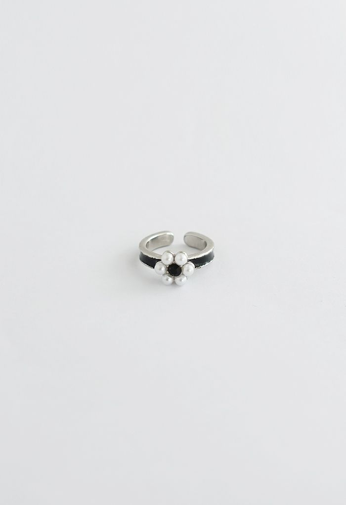 Black Crystal Pearl Daisy Ring