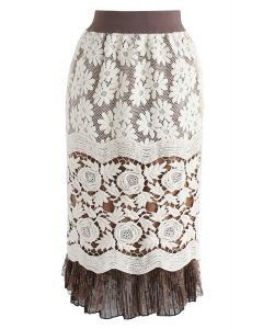 Svelte Floral Crochet Pencil Skirt in Cream
