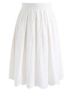 Eyelet Beauty Pleated Skirt in White