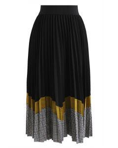 Between Us Pleated Midi Skirt in Black