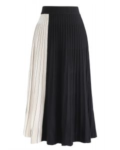 Contrast Pattern Pleated Knit Skirt in Black
