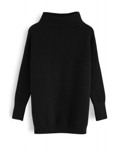 Cozy Ribbed Turtleneck Sweater in Black